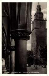 Postcard Kraków Krakau Polen, Säulengang der Tuchhalle und Rathausturm