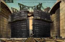 Postcard Panama, Rivetters at work on Gatun Lock Gates, Panamakanal, Baustelle