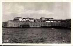 Ak Didjelli Algerien, Les Casernes, Blick vom Wasser auf die Kasernen