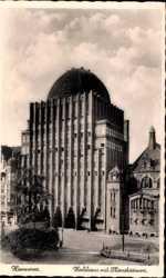 Hochhaus mit Planetarium