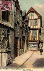Vieilles Maisons et Fontaine rue Saint Romain