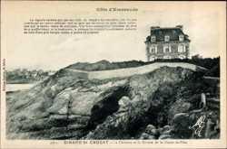 Le Chateau et la Grotte de la Goule es Fees