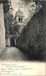 Aufgang gegen den alten Pavillon